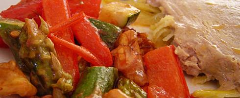 Receita de Bifes de Atum com Tomate e Pimentos